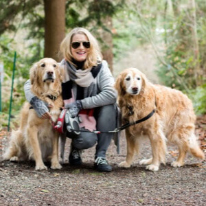 Tamara-Soreano-with-two-dogs